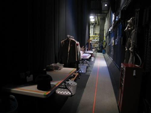 sau hậu trường sân khấu nhà hát