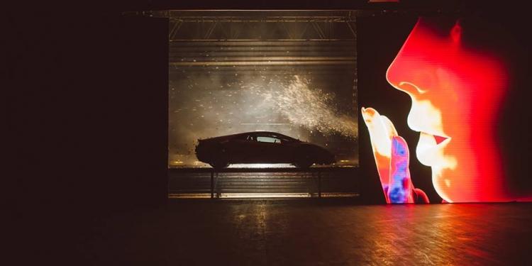 ra mắt Lamborghini Huracan Evo