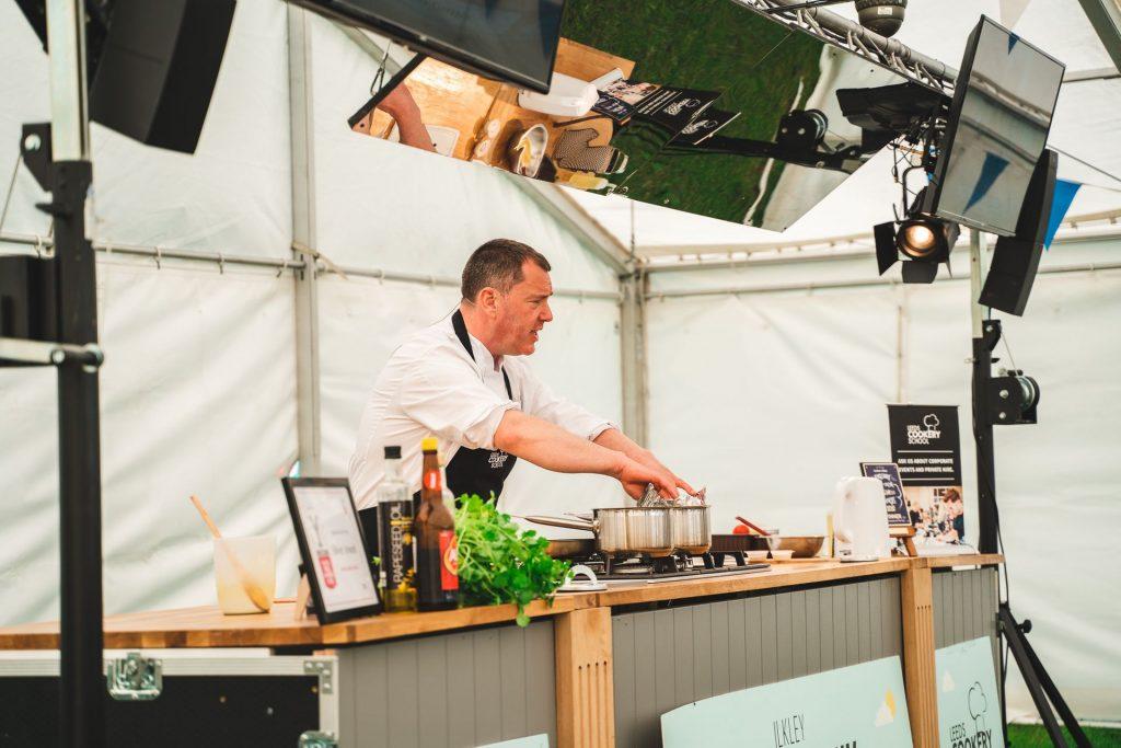 Các chuyên gia ẩm thực lớn đã thể hiện nấu trực tiếp (Hình ảnh: The North leeds food Festival)