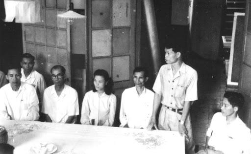 KTS Ngô Huy Quỳnh là người đang đứng trình bày trong dự án Quy hoạch đô thị 1967